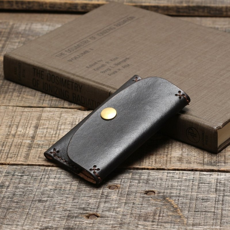 Rustic ocher black hand-dyed vegetable-tanned cowhide leather business card holder