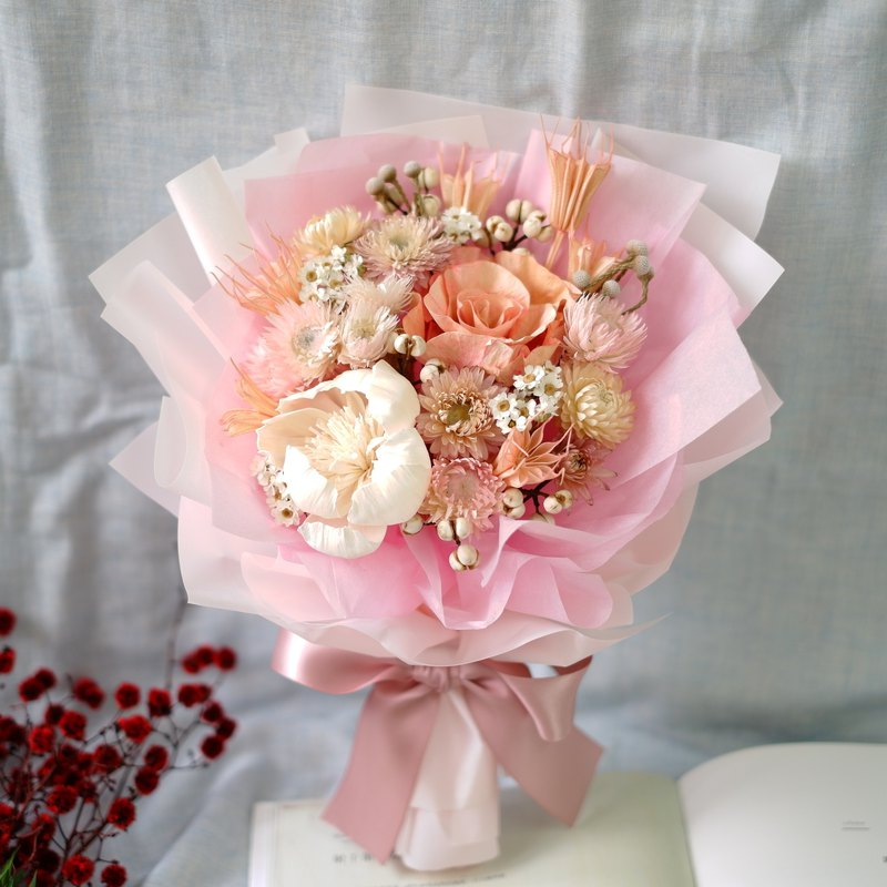 To be continued | Pink white dry flower bouquet Valentine's day girlfriend spot