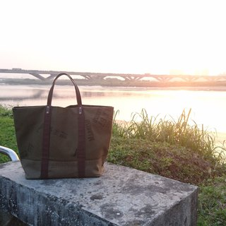 【【BVXL / Tote bag】Rough military system. Yahe green