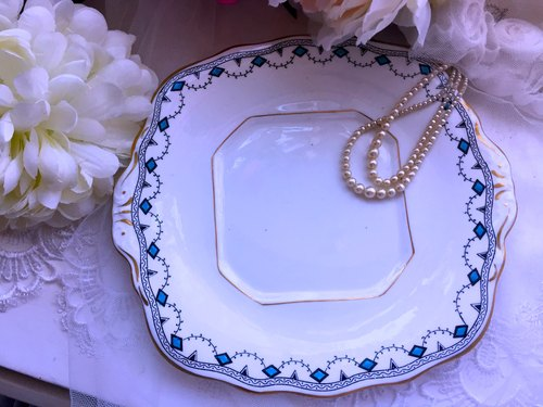 Annie Mad Antiquities British system 1930 Art Deco installation art period hand-painted square antique cake plate ~ worth collecting