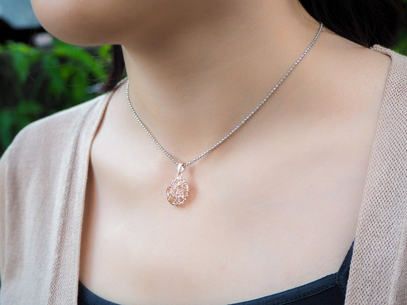 Swirl wire round shape Rose gold plated sterling silver pendant
