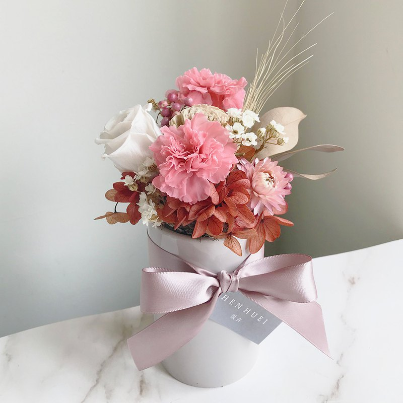 Pink small carnation table flower - no flowers, dry flowers, mother's day gift