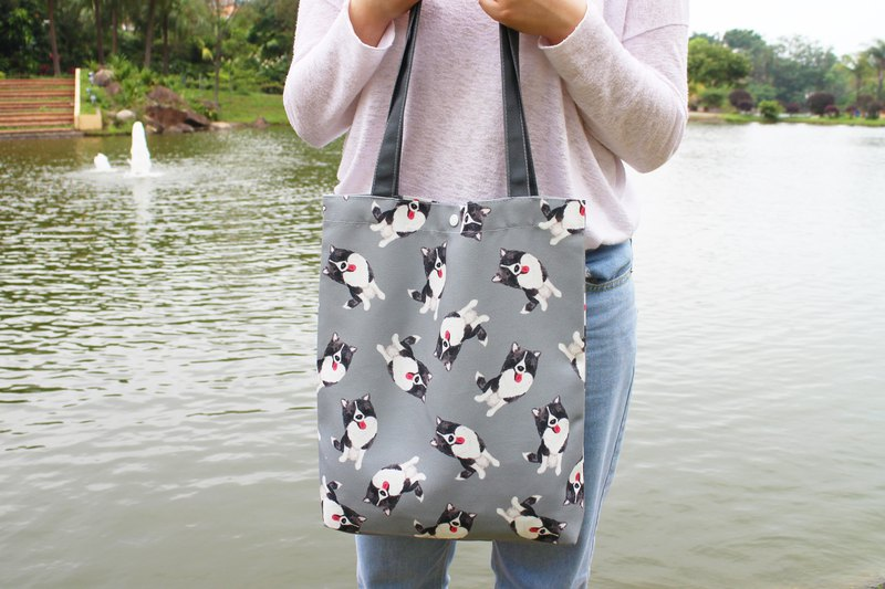 Momo Border Collie Tote Bag