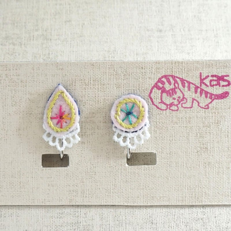 "Hand embroidery earring""Spring color drop,circle1"""