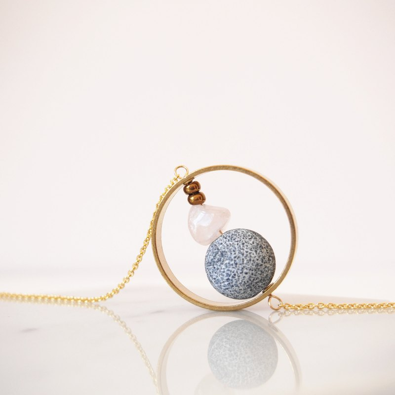 Weathering agate knot powder crystal geometric brass round box gold-plated necklace (45cm / 18 inch) gift