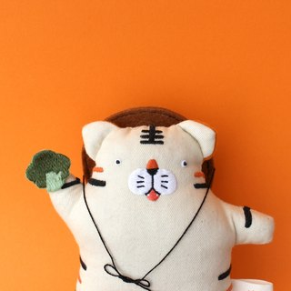 Tiger wang tai home / theory theory small character sound embroidery cloth doll