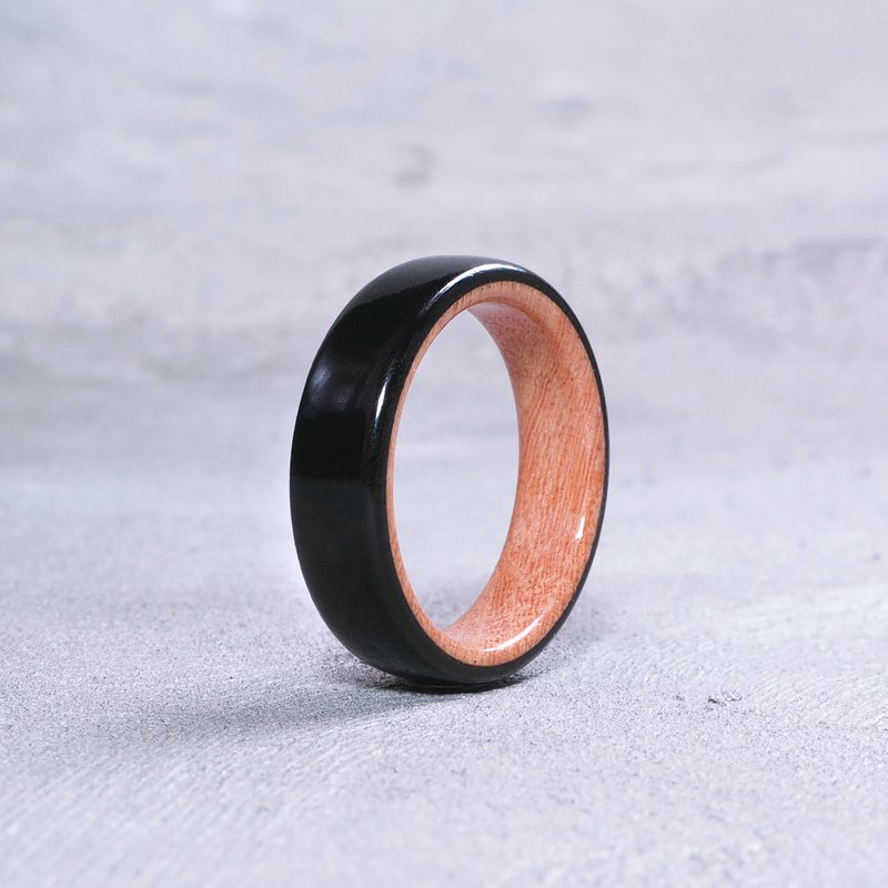 Classic wooden ring Black Ebony x Tembusu