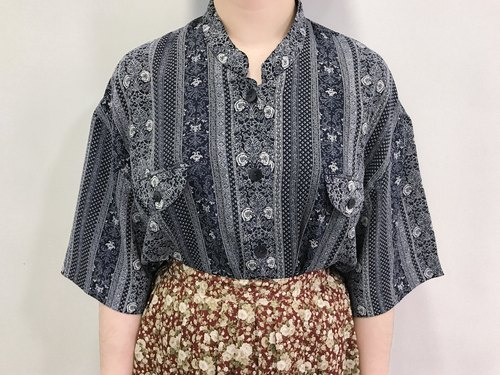 …{DOTTORI :: TOP}Navy Short-Sleeved Shirt