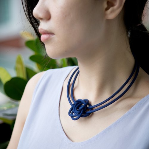 Lussli | Knitted Necklace - MINI ROSE (Blue)