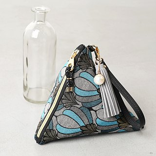 Queen Blue Triangle Handbag Pouch
