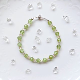 Limited to 1 item. Peridot x titanium crystal sterling silver apple elastic bracelet