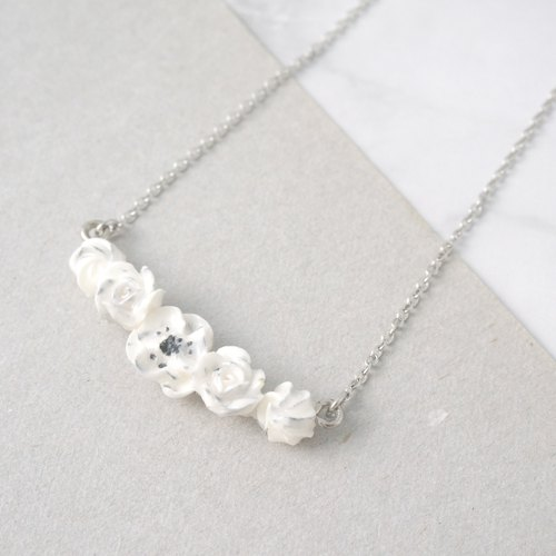 Marble pattern floral necklace =Flower Piping=