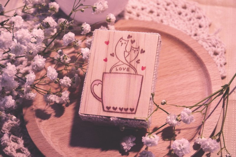 Dreaming Glass House | Valentine's Day special edition - love code series of hand carved Chapter ♥ Cat caramel Latte