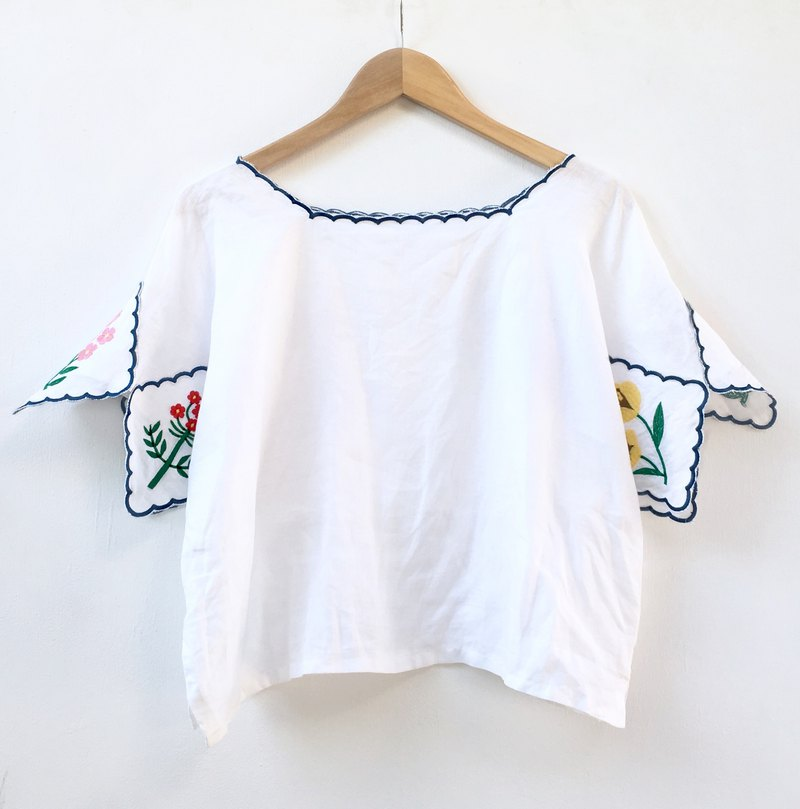 Botanica Embroidered Blouse