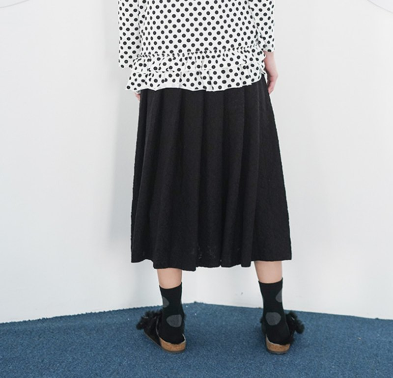 Black pleated skirt skirt - imakokoni