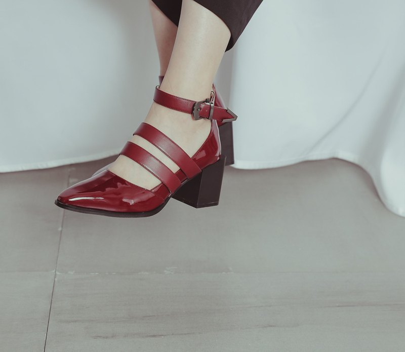 Rate thick buckle buckle rough high heels mirror red