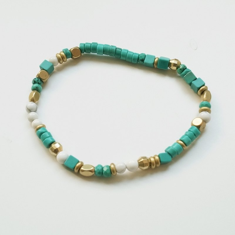 ☽ Qi Xi hand for ☽ [07290] shape turquoise bracelet with brass