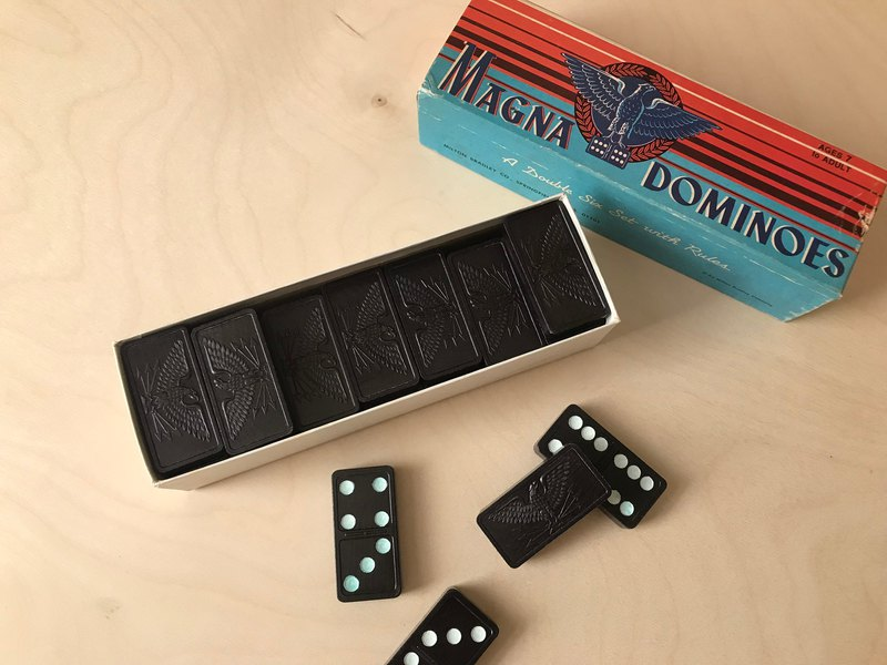 Early Board Games / Magna Dominoes Puzzle Game