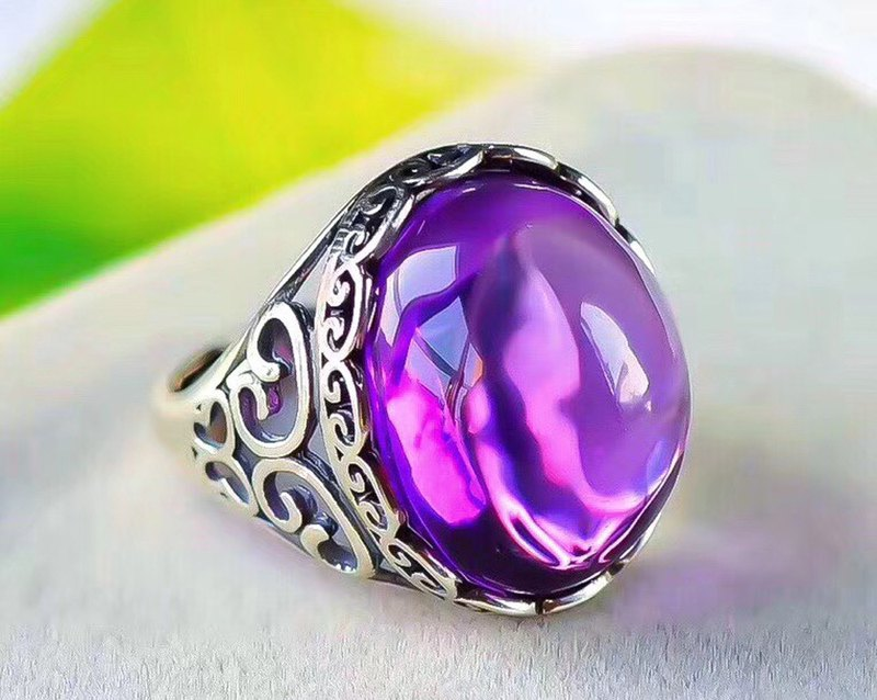 Exclusive-Boutique Natural Brazilian Amethyst Ring / Crystal Transparent / Flame Good / Rich Violet