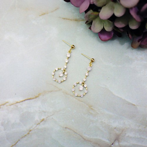 Elegant hanging earrings classic