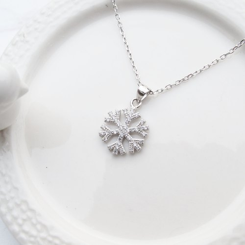 Bigman Taipa [exclusive selection] bright snowflake × fashion sterling silver necklace
