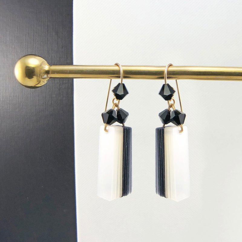 ART DECO – COLE COOL Original Design 【Dancing Earrings - Black& Crystal】