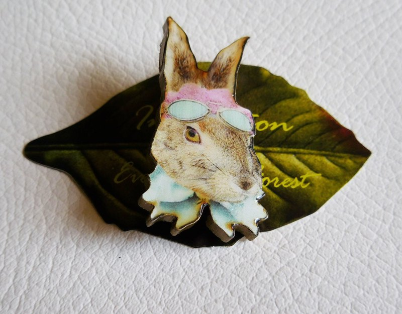 うさぎブローチ /wooden rabbit brooch