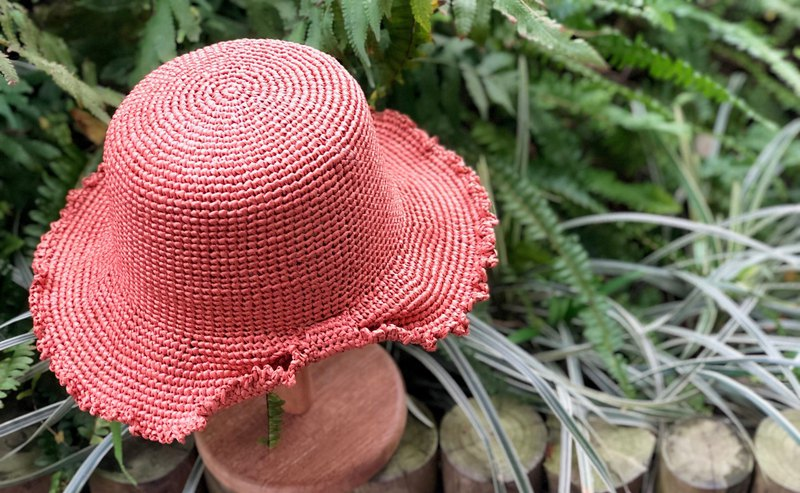 Butterfly lace wide brim / summer sun hat / woven straw hat / hand made crochet hat