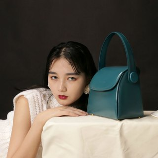 Blue top layer cowhide retro simple drawer square bag side back handcuffs dual-use leather bag macarons