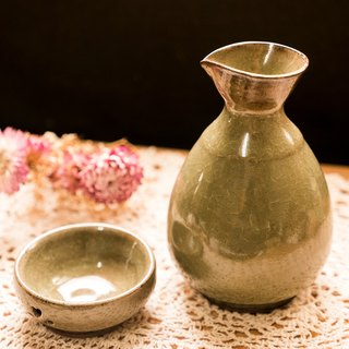 Japanese sake combination <a pot of a double cup