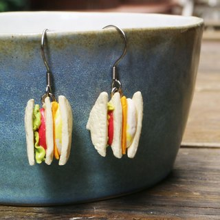 [Come a breakfast] Cheese egg sandwich earrings