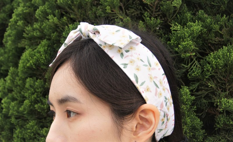 Humble Jasmine l Korean flower tea series l bow tie tied tie hair band