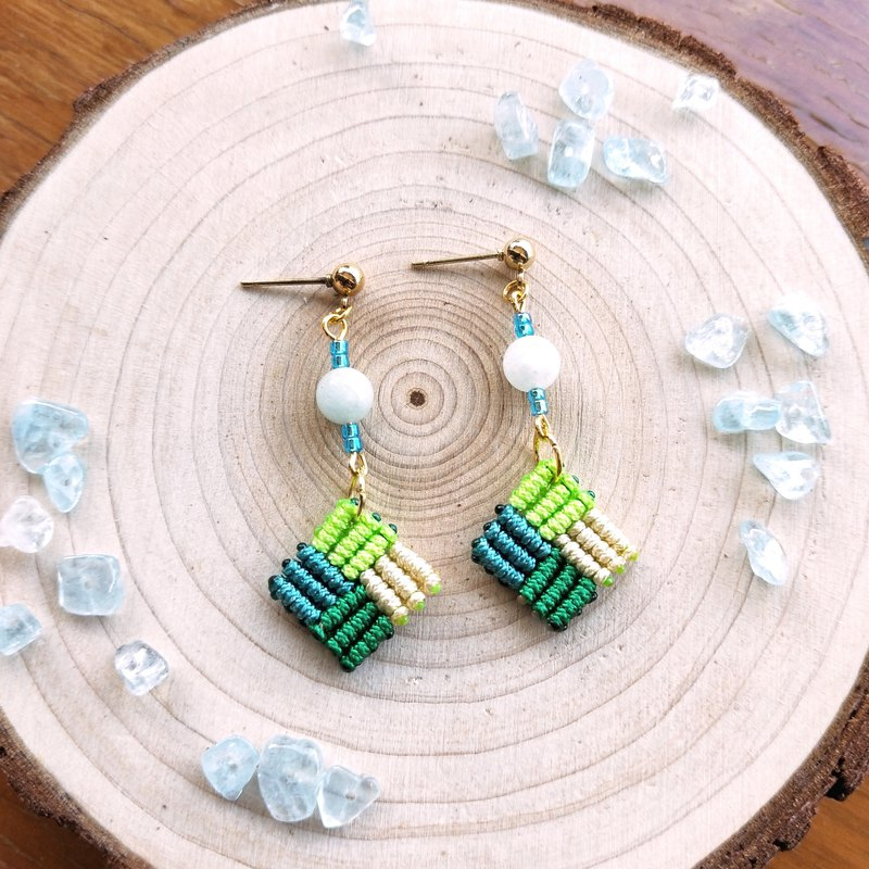 E028-Hand-woven square earrings mosaic series spring day sprouts