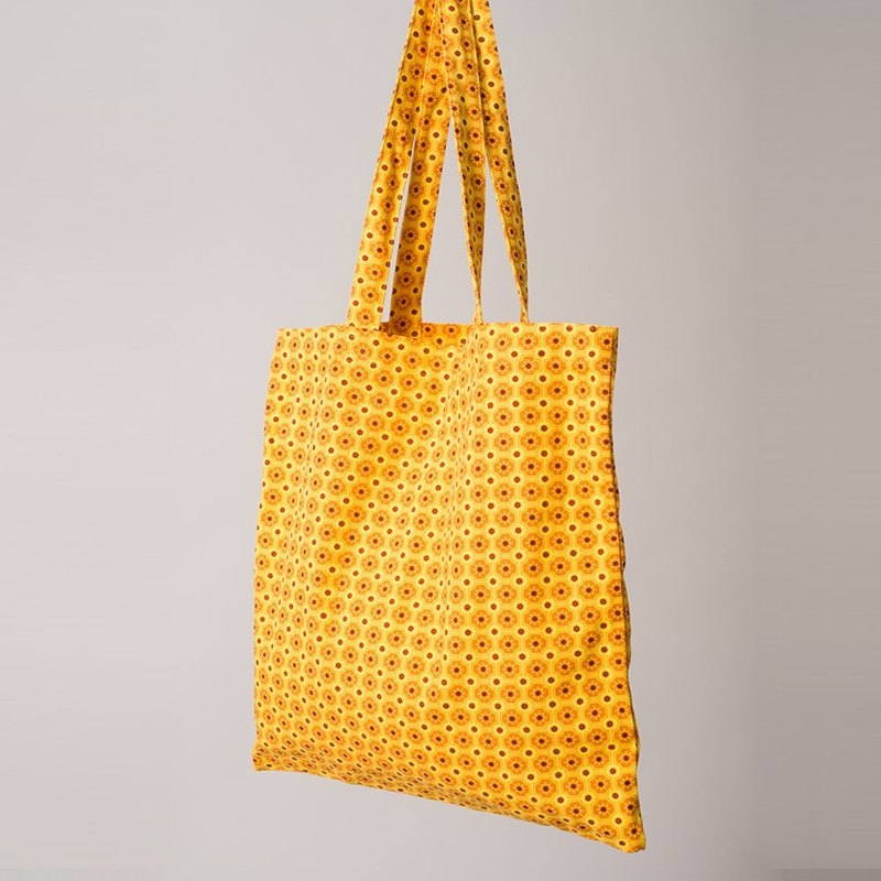 Simple shopping bag / old tile 2 / yellow
