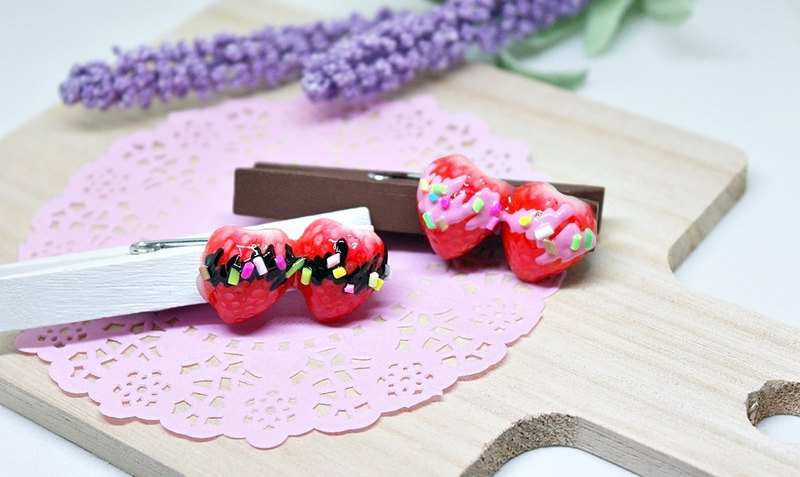 ➽ clay wood clip - strawberry season <can change the magnet> # life accessories # # stationery #