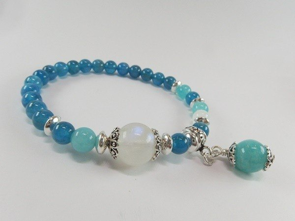Dark fascinated - high-quality clear natural blue apatite + Tianhe stone + blue Moonstone sterling silver bracelet Hong Kong original design