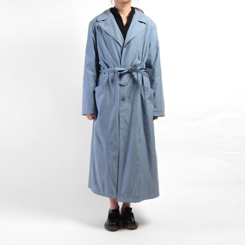 │moderato│ baby blue coat lapel long coat / Girl Retro London boy young artists. Personalized boyfriend