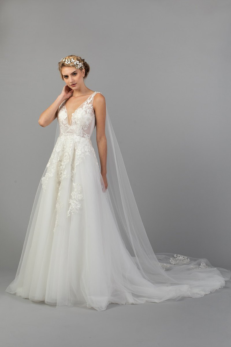 Romantic Ball Gown Tulle Wedding Dress