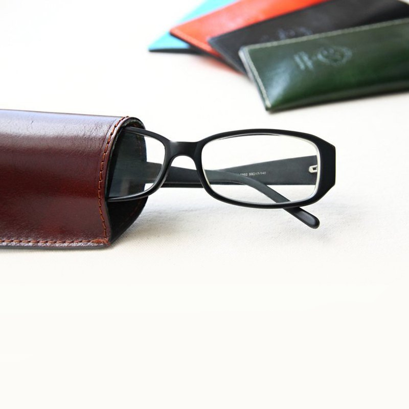 ART-486 Italian vegetable tanned leather handmade glasses case | Manufactus