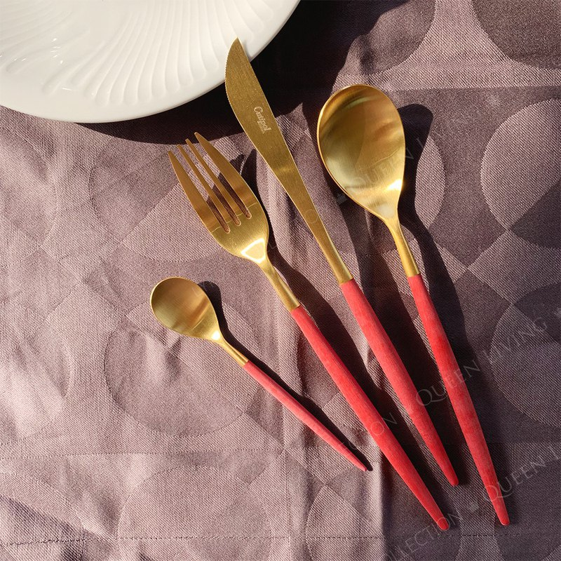 MIO RED MATTE GOLD 4 PIECES SET (TABLE KNIFE/FORK/SPOON+COFFEE SPOON)