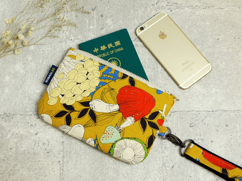 The young woman's handbag │5.5 吋 mobile phone exclusive. Can put mobile phone, passport, passbook::: mushroom