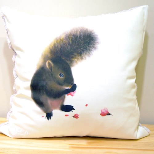 Red-bellied Squirrel & Mountain Cherry Pillow - 50cm