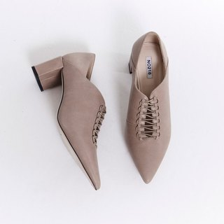 Cross string hexagonal leather heel shoes apricot