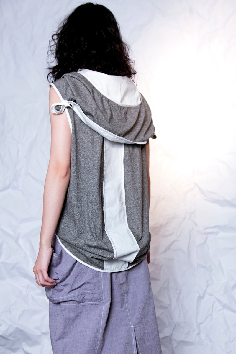 Light_Carnival Tie Hooded Sleeveless Top