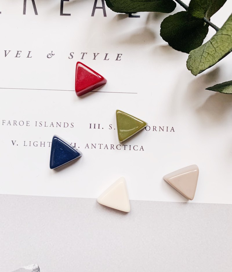 La Don - Ear Earrings - Cute Thick Triangle 5 Piece Ears/ear Clips Optional