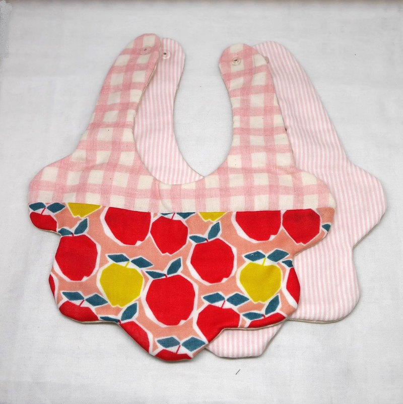 Goody bag   // 2 flower bibs in 1 unit