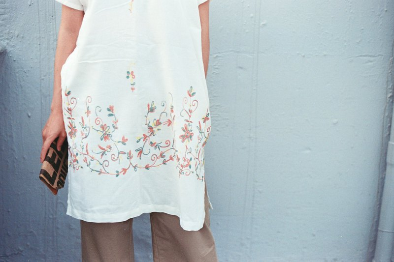 Summer white thin cotton loose long dress imitation embroidery printing side opening / last piece