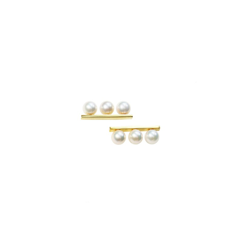 Classic - Line Pearl Earrings