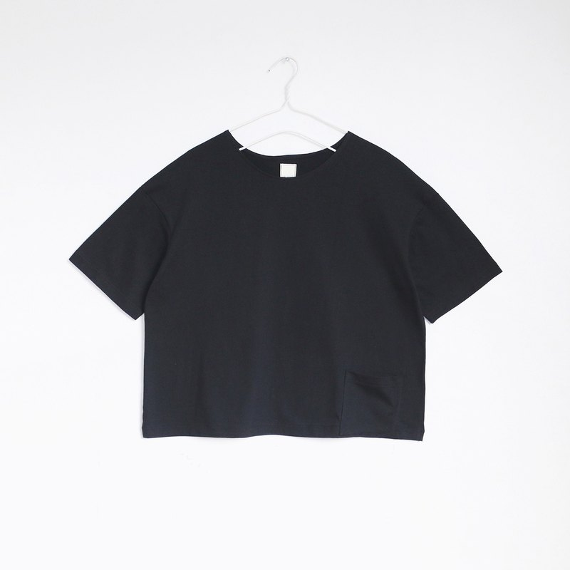 pocket crop t-shirt (black)