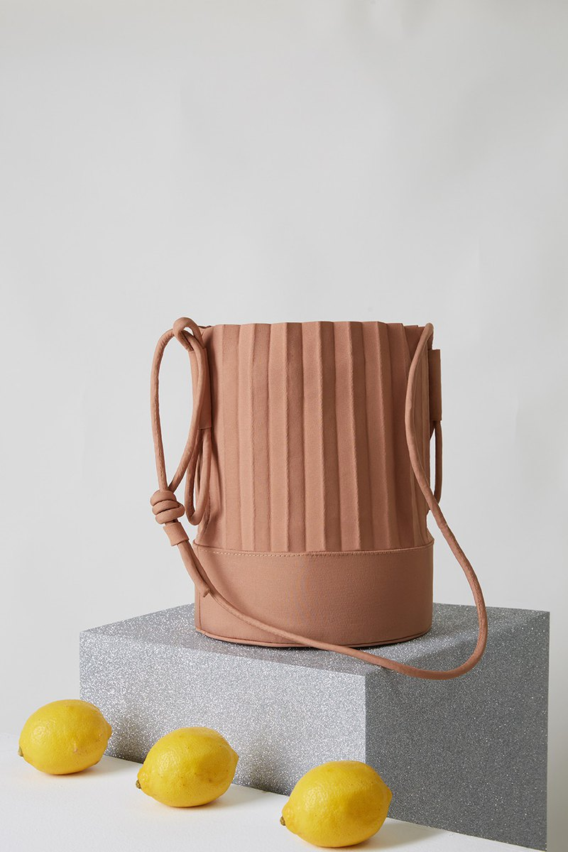 aPail Bucket Bag in Sand